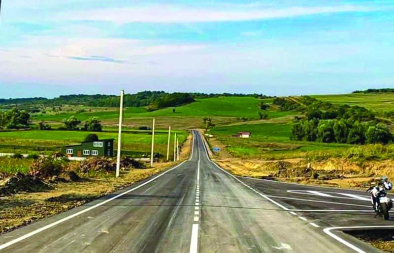 Vești bune din Raionul Herța ! Au fost încheiate lucrările de reparație a drumului care duce spre frontiera cu România la Racovăț